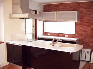 キッチンリフォーム 間仕切を取り払って、広々空間