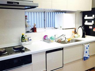 キッチンリフォーム 身長に合わせた高さのキッチンで料理・掃除も楽々
