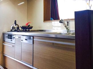 キッチンリフォーム 身長が低めの奥様でも全体を活用しやすいキッチン