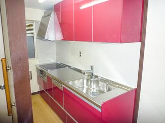 キッチンリフォーム IHでお掃除も楽々。フラットなキッチン