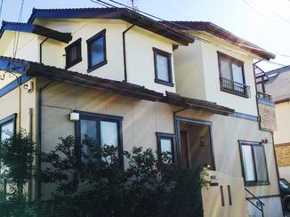 外壁・屋根リフォーム 塗料の3度塗りで新築のようなツヤのある外壁に