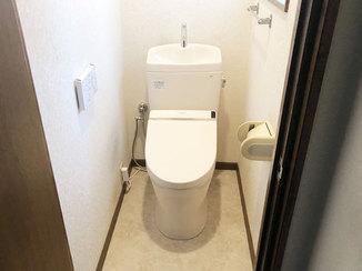 トイレリフォーム 床材も交換して違和感なくきれいに仕上げたトイレ