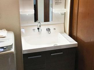 洗面リフォーム 広い洗面ボウルが使いやすい、最新の洗面台