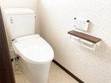 トイレリフォームおトクなパックプランで叶えた小花柄クロスがかわいいトイレ空間