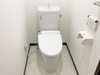トイレリフォーム 白を基調とした清潔感のあるトイレ